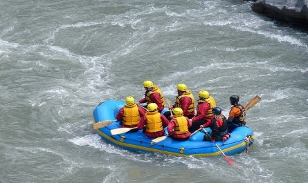 spots for river rafting