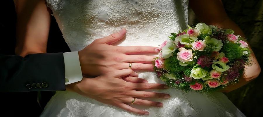 natural looking wedding photos